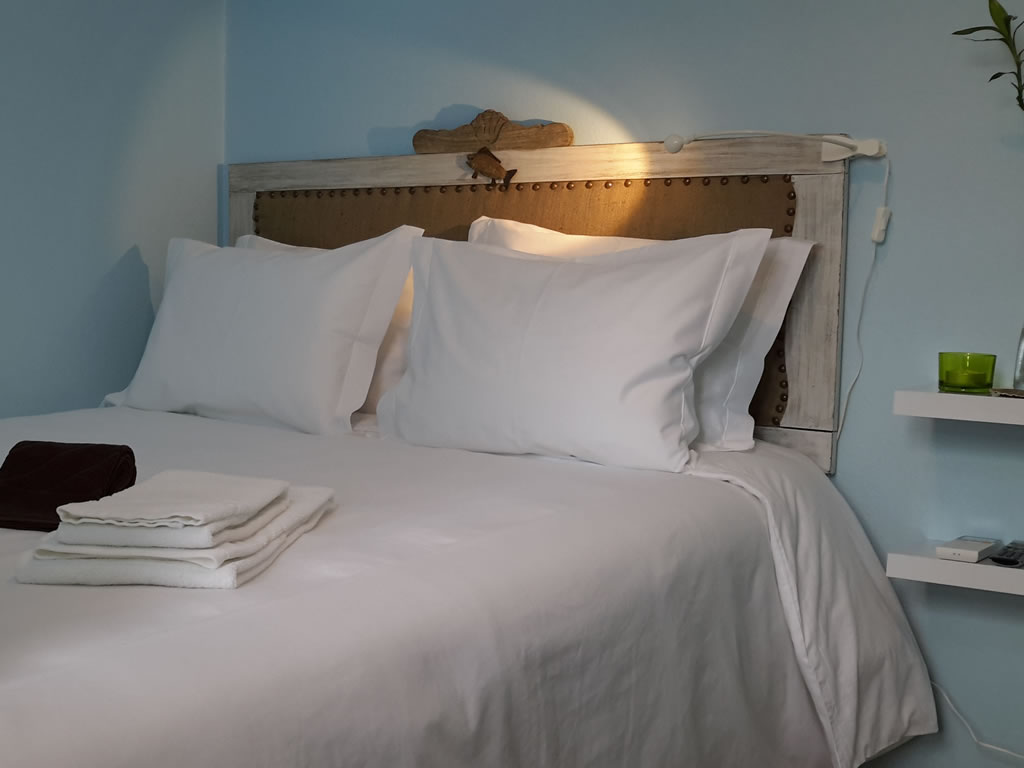 #3 Small Room | Double Bed