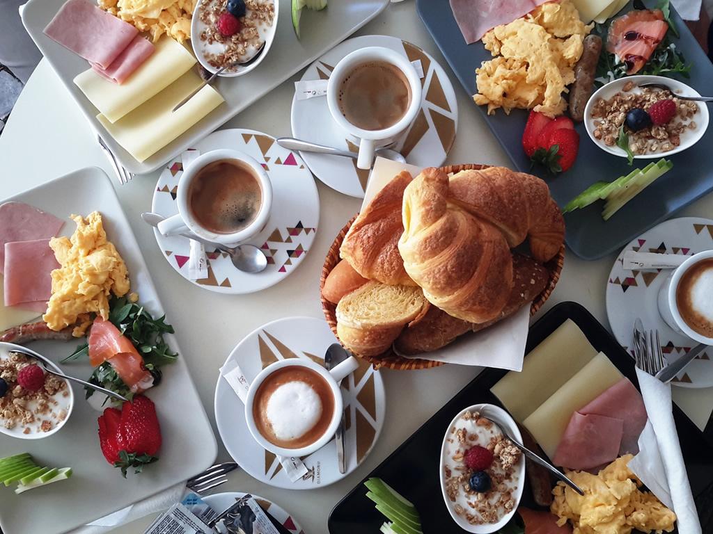 Breakfast (Self catering)
